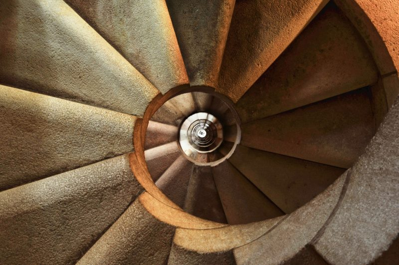 staircase-600468_1280-spiral